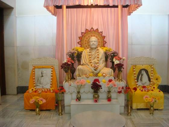 A photo of the inner shrine at the Universal Temple in Mumbai.